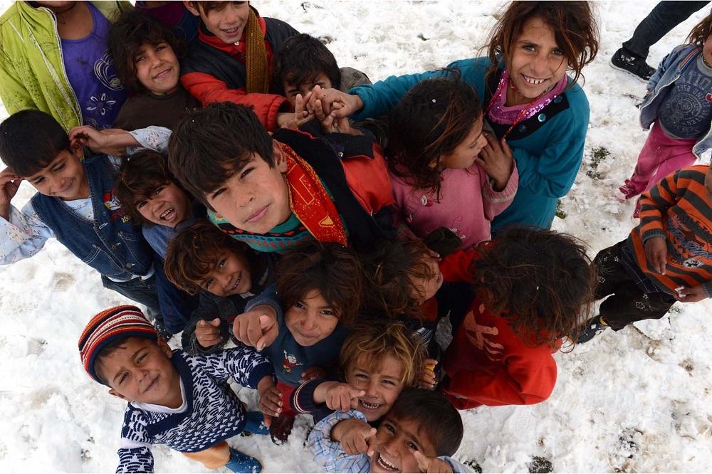 أخطار تهدد أطفال العالم