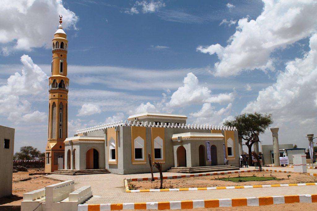 بناء مسجد : باب للأجر والثواب